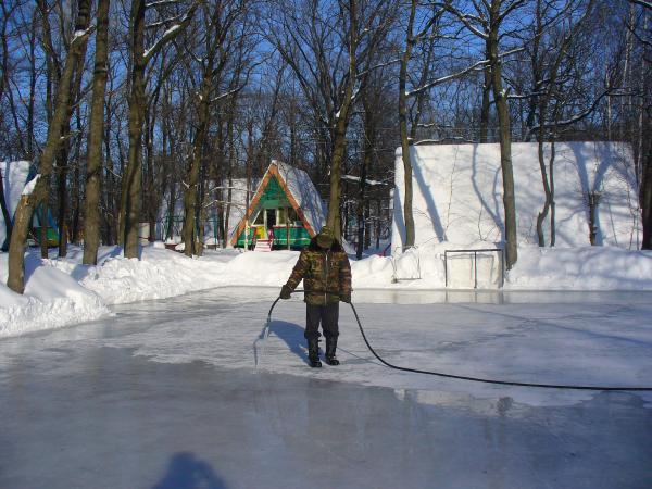 Техническая вода для заливки катка в Санкт-Петербурге и Лен. Области